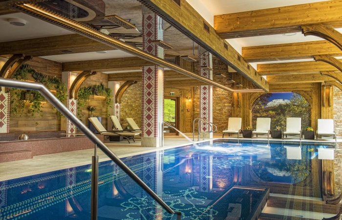 Hotelový bazén - Grand Hotel Bachledka Strtachan Ždiar (2)