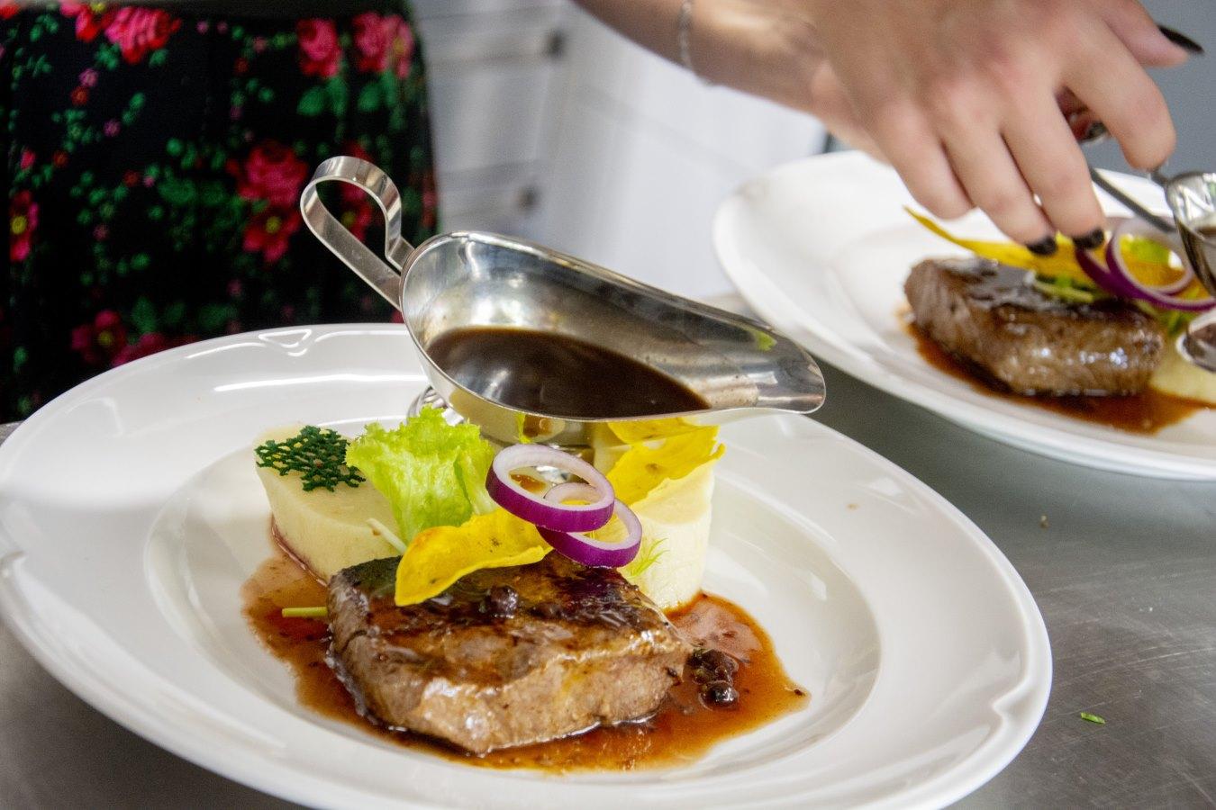 Reštaurácia Ždiar Hotel Bachledka Strachan (2)